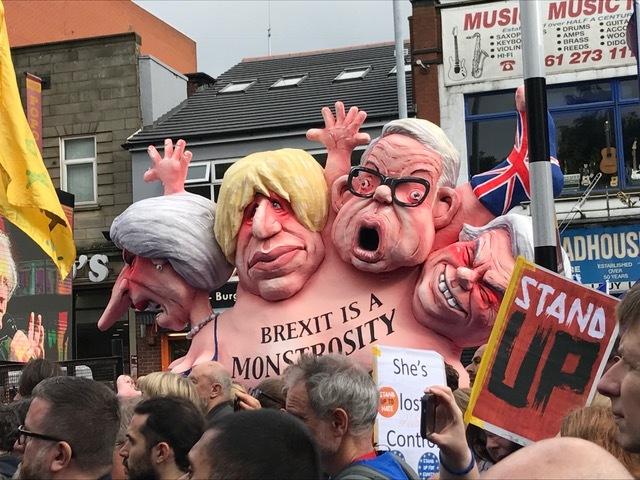 """Miles de británicos, contra el """"monstruo"""" del Brexit"""