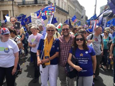 Bremain in Spain joins People's Vote march in London